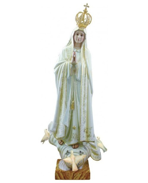 Wooden statue of Our Lady of Fatima Capelinha